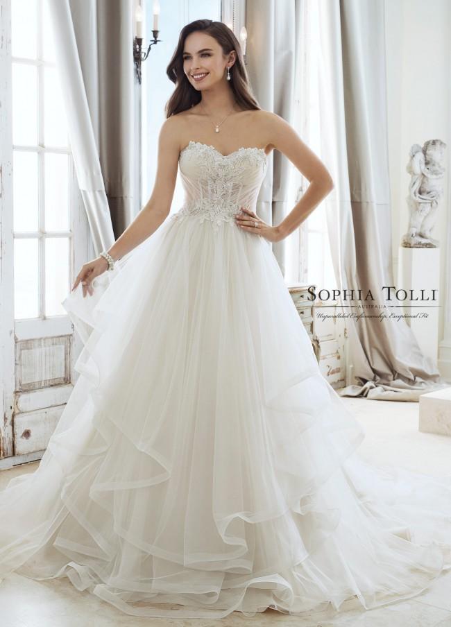 Sophia Tolli, CLEO