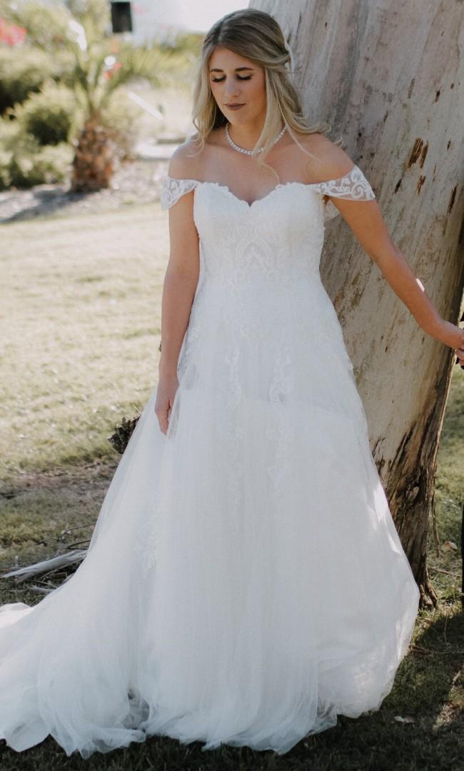 Casablanca Bridal Sadie