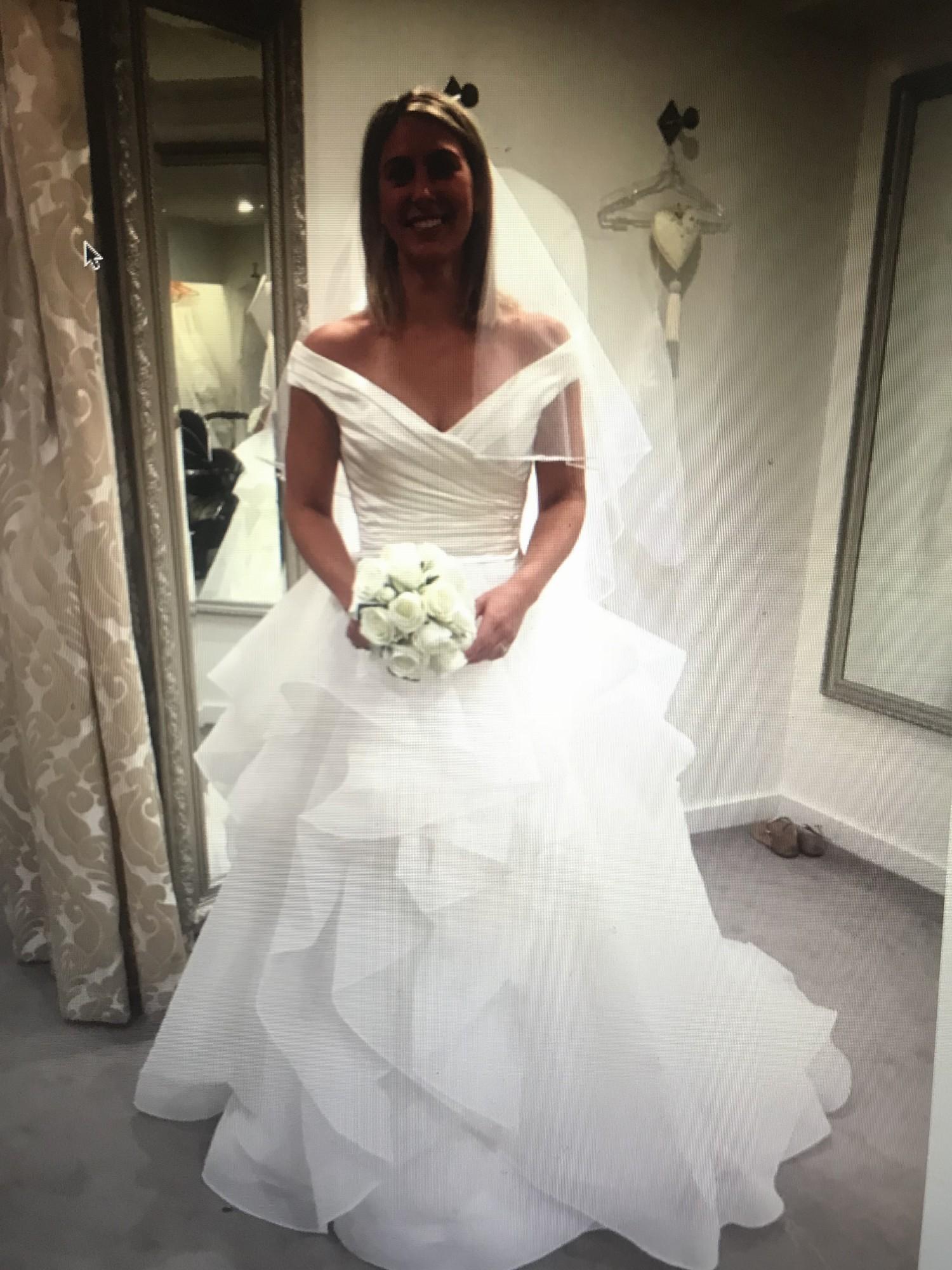 e5528ee3d59e Ball Gown New Wedding Dress on Sale - Stillwhite United Kingdom