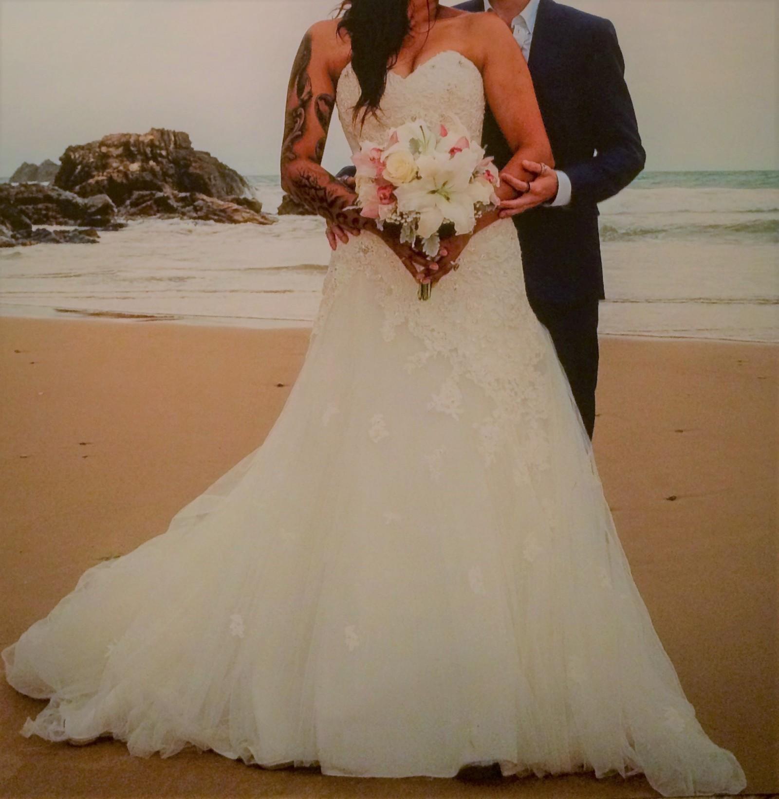Second Hand Wedding Gown: Jillian Second Hand Wedding Dress On