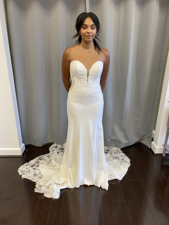 Allure Bridals 9702