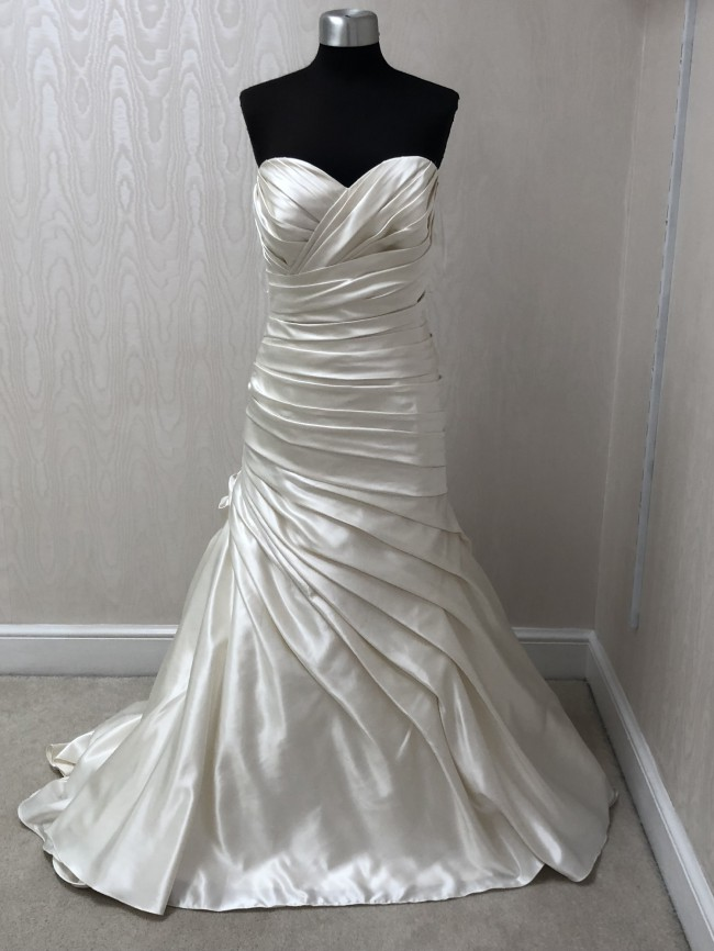 Allure Bridals, W284