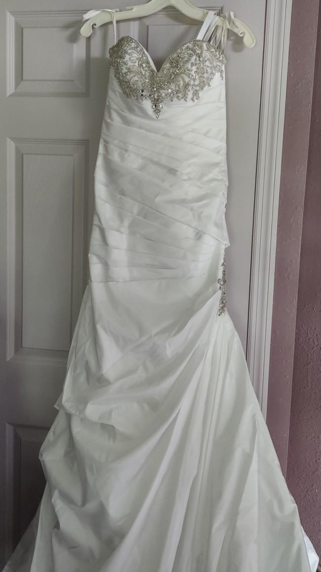 David's Bridal V3476