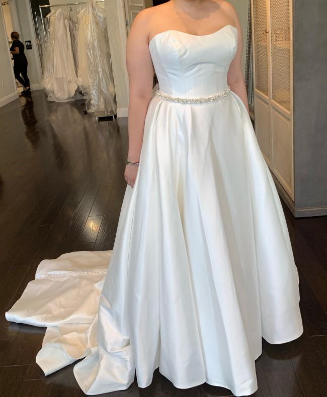 Allure Bridals Romance Style 3065