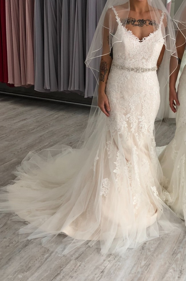 Viva Bride, Charlize