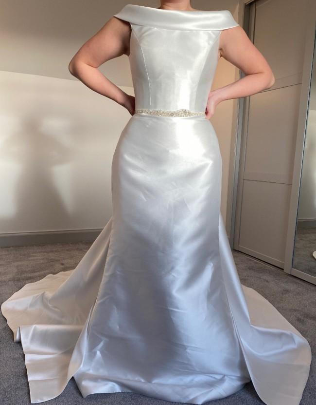 Phoenix Gowns PH5022