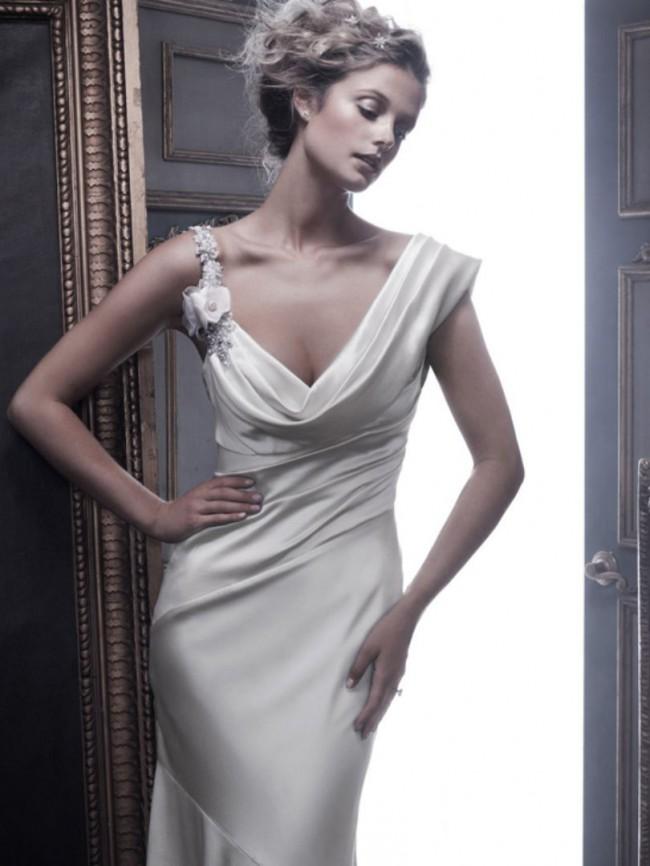 Casablanca Bridal Style B055