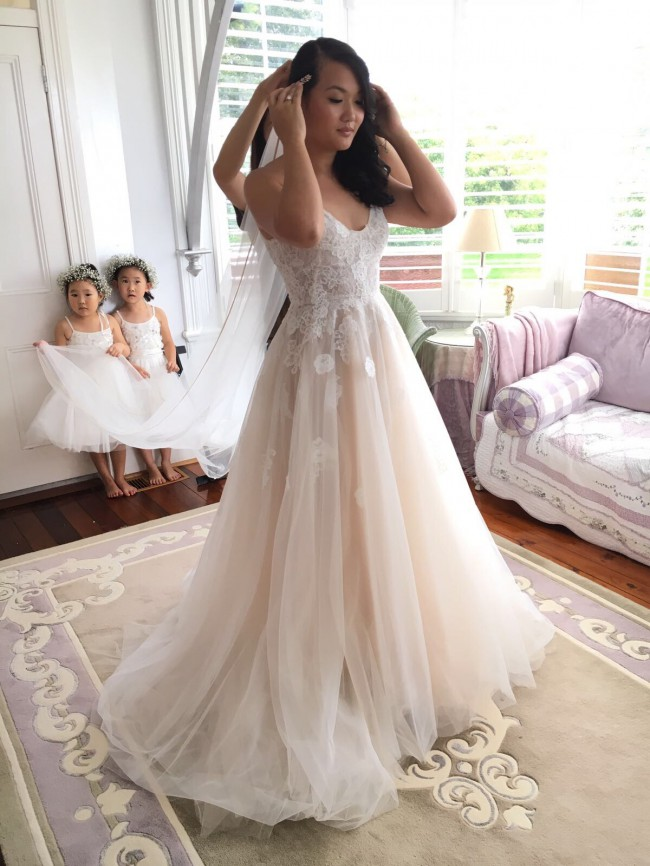Monique Lhuillier Severine Used Wedding Dress On Sale Stillwhite