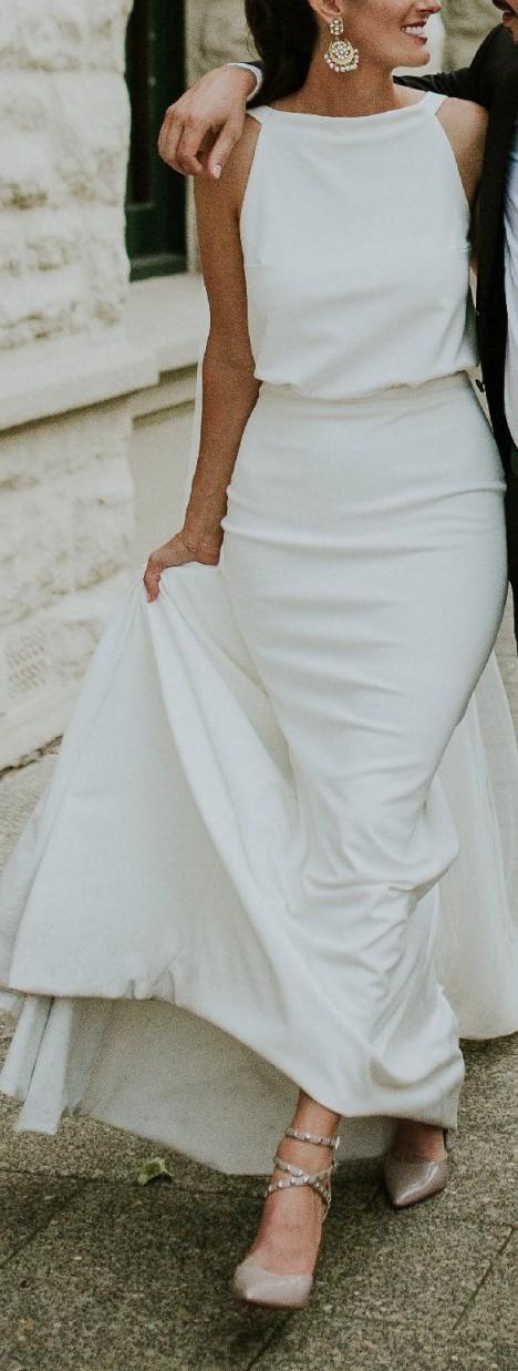 eeb38b4a2ac8 One Day Bridal Alba Second Hand Wedding Dress on Sale 46% Off ...