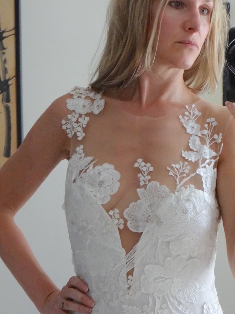 c9a32bfb531 Pronovias 2018 Atelier Pronovias Collection Ranisa Dress Sample ...