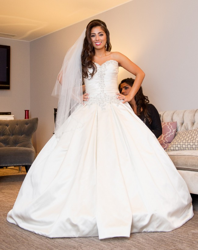 51c74a3eb0ef Allure Bridals Style 9003 Second Hand Wedding Dress on Sale 56% Off ...