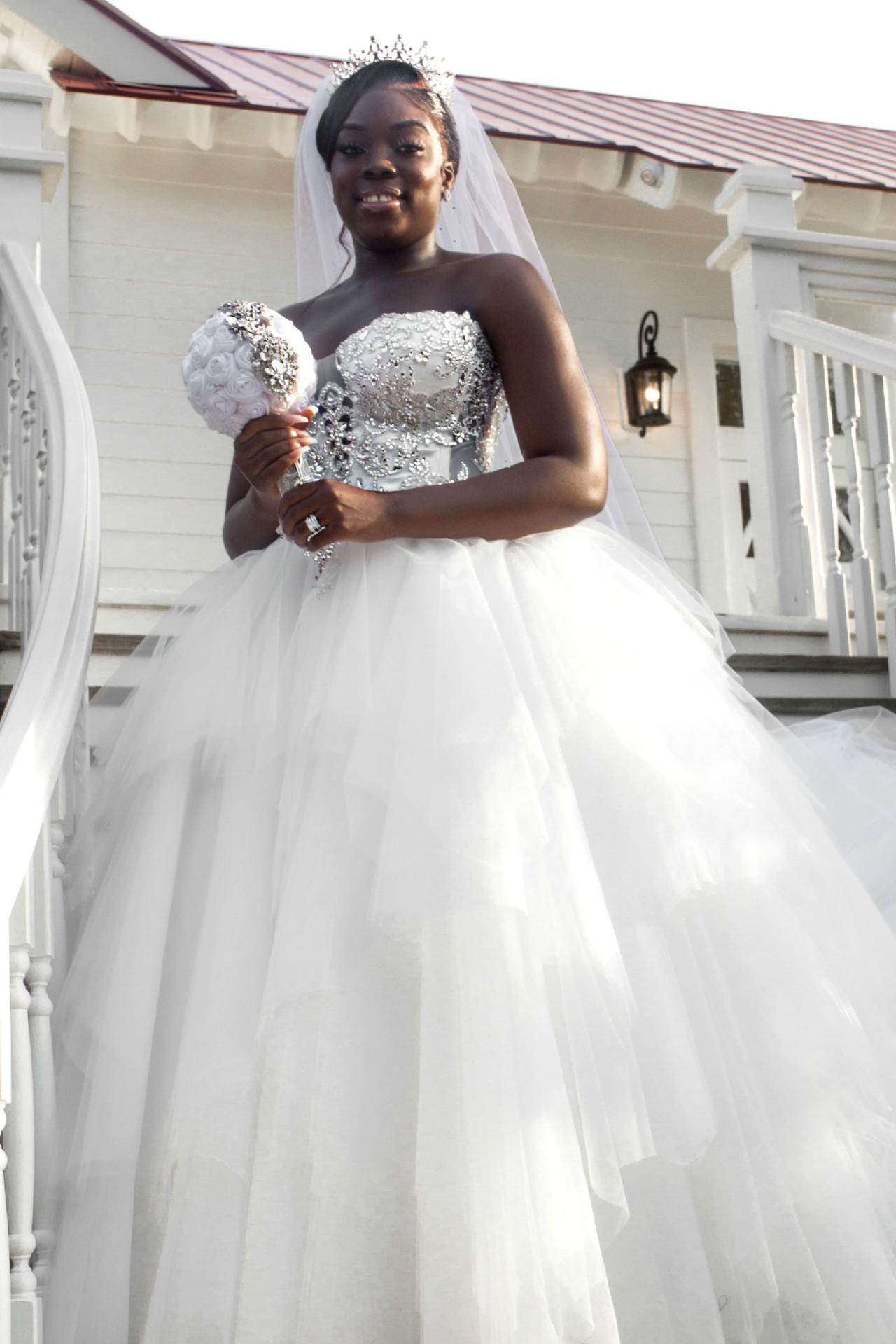 Pnina Tornai 4722 Preloved Wedding Dress Save 35 Stillwhite