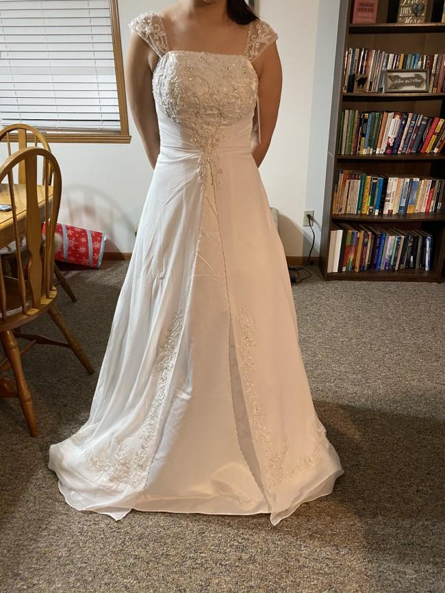David's Bridal 10041587