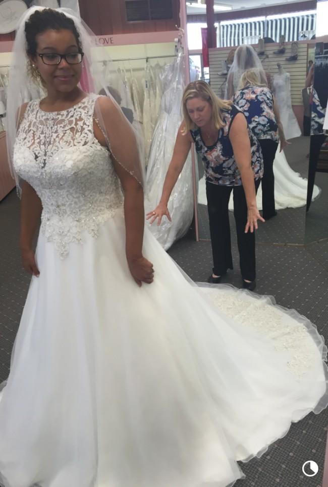 Allure Bridals 9200