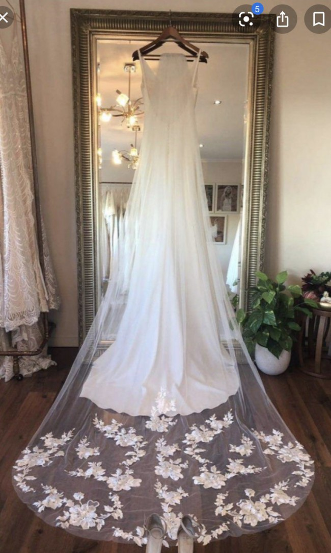 "Made With Love ""Stevie"" Veil"