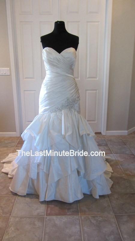 Allure Bridals 8922