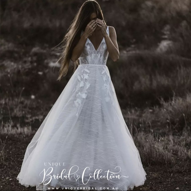 Unique Bridal Collection, Gizelle
