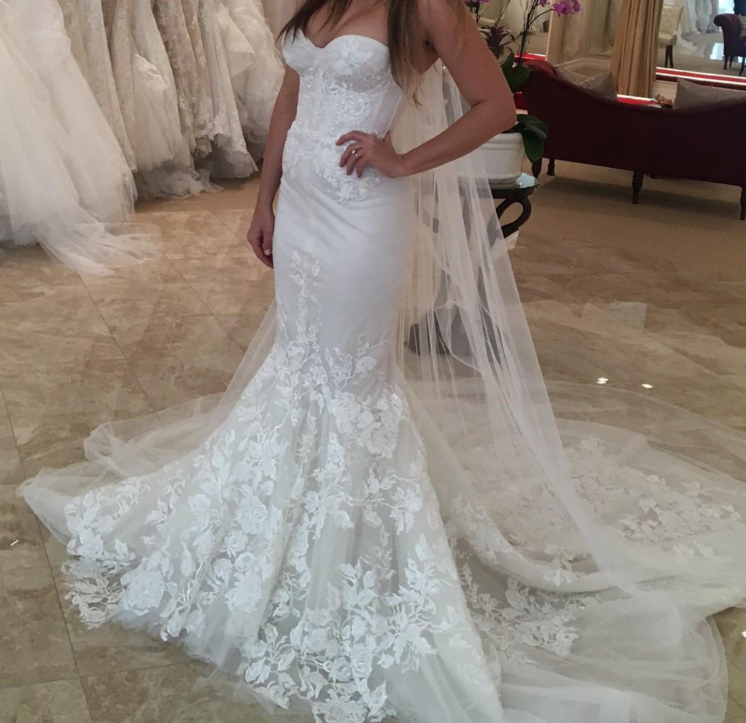 Inbal Dror Wedding Gowns: Inbal Dror 1617 Preowned Wedding Dress On Sale 39% Off