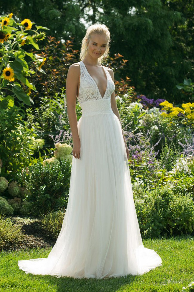 Sweetheart Gowns 11022