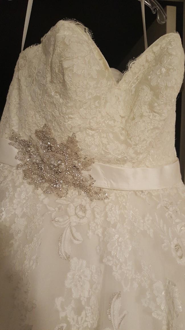 Allure Bridals W320