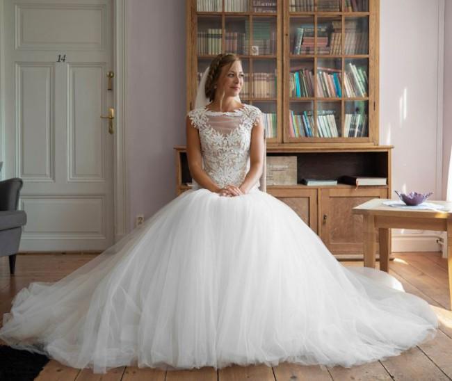 Karen Willis Holmes, Ball Gown