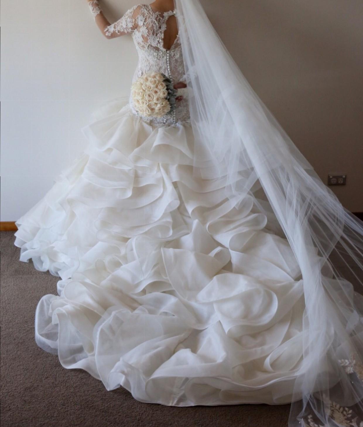 Second Hand Wedding Gown: Suzanna Blazevic Ruffle, Lace Gown Second Hand Wedding