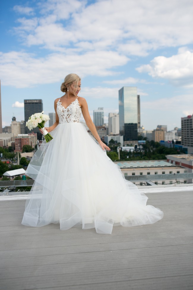 6cf45df599ec Hayley Paige Halo Dress - #1600 - Tulle & Lace Second Hand Wedding ...