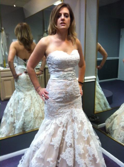 Venus Bridal, Venus Bridal Gown VX8605