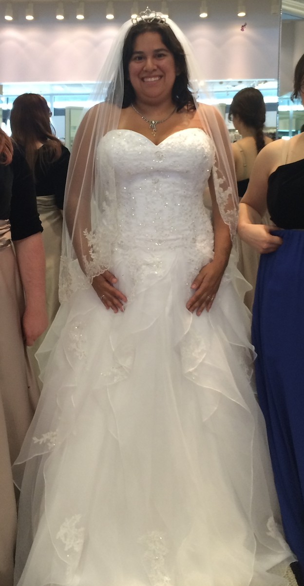 Alfred Angelo, 899