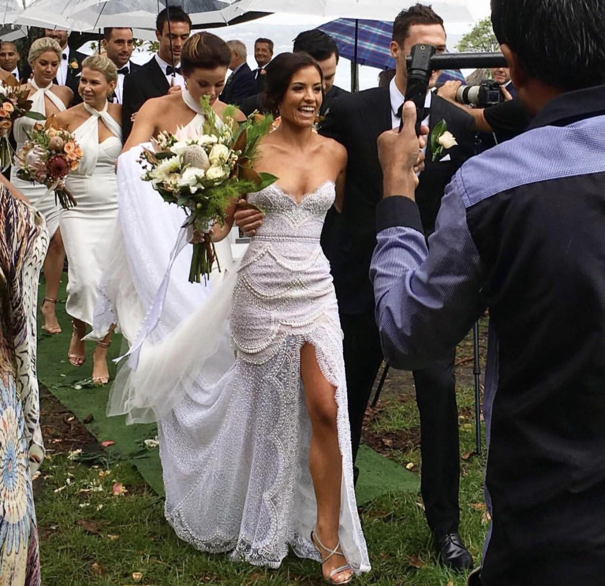 J Aton Bride: J'aton Preowned Wedding Dress On Sale 32% Off