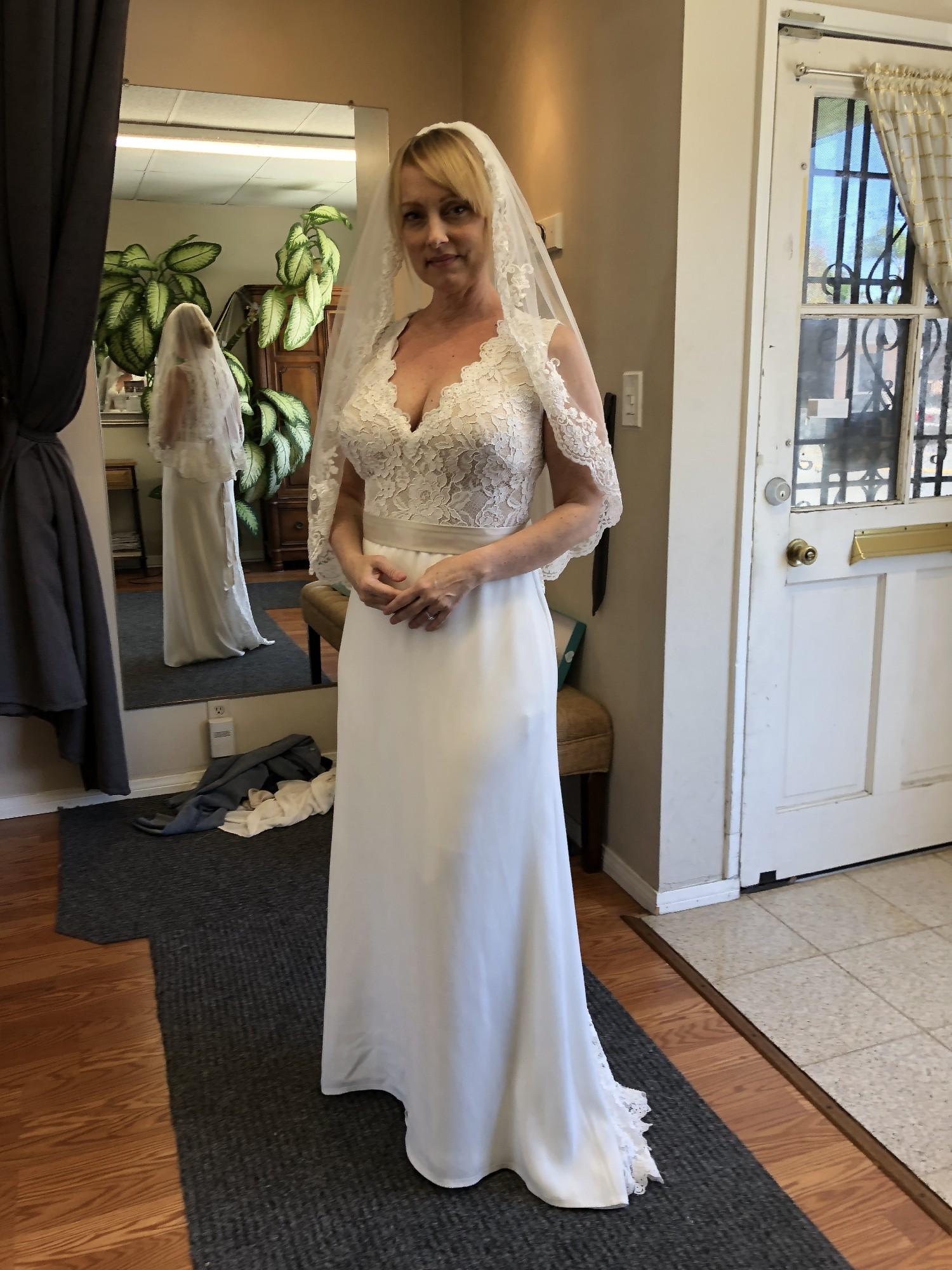 b853e562529 Tadashi Shoji New Wedding Dress on Sale - Stillwhite