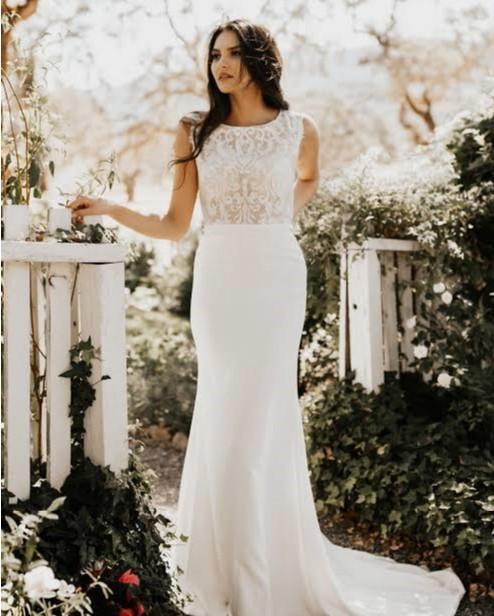 Tara Lauren Clarke (Dress and Veil)