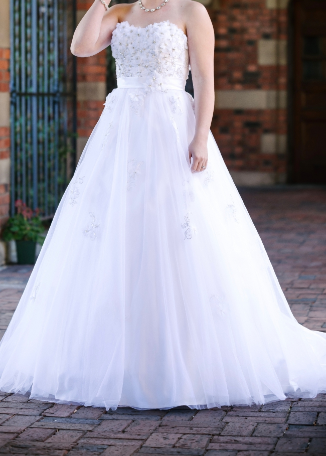 Alfred Angelo Snow White View 207 Wedding Dress On Sale 35 Off