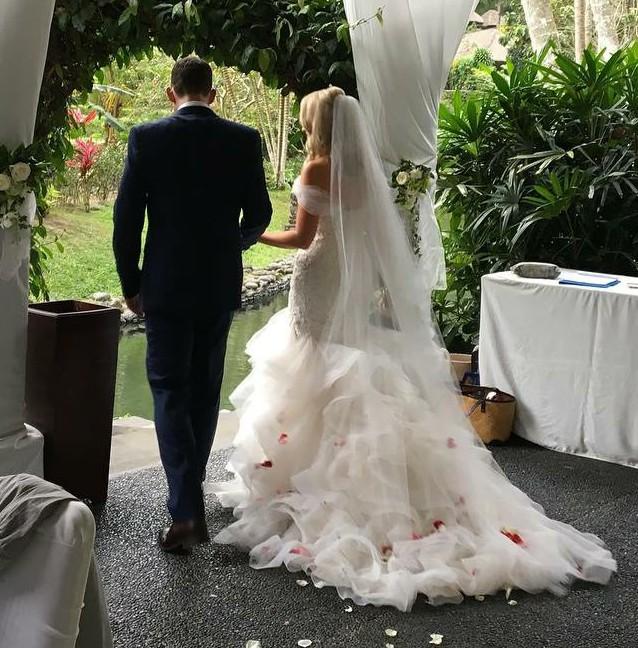 Essense Of Australia D2258 Preloved Wedding Dress Save 70