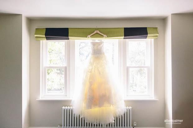 5b63ee13696b Vera Wang Eliza Preowned Wedding Dress on Sale 74% Off - Stillwhite  Australia