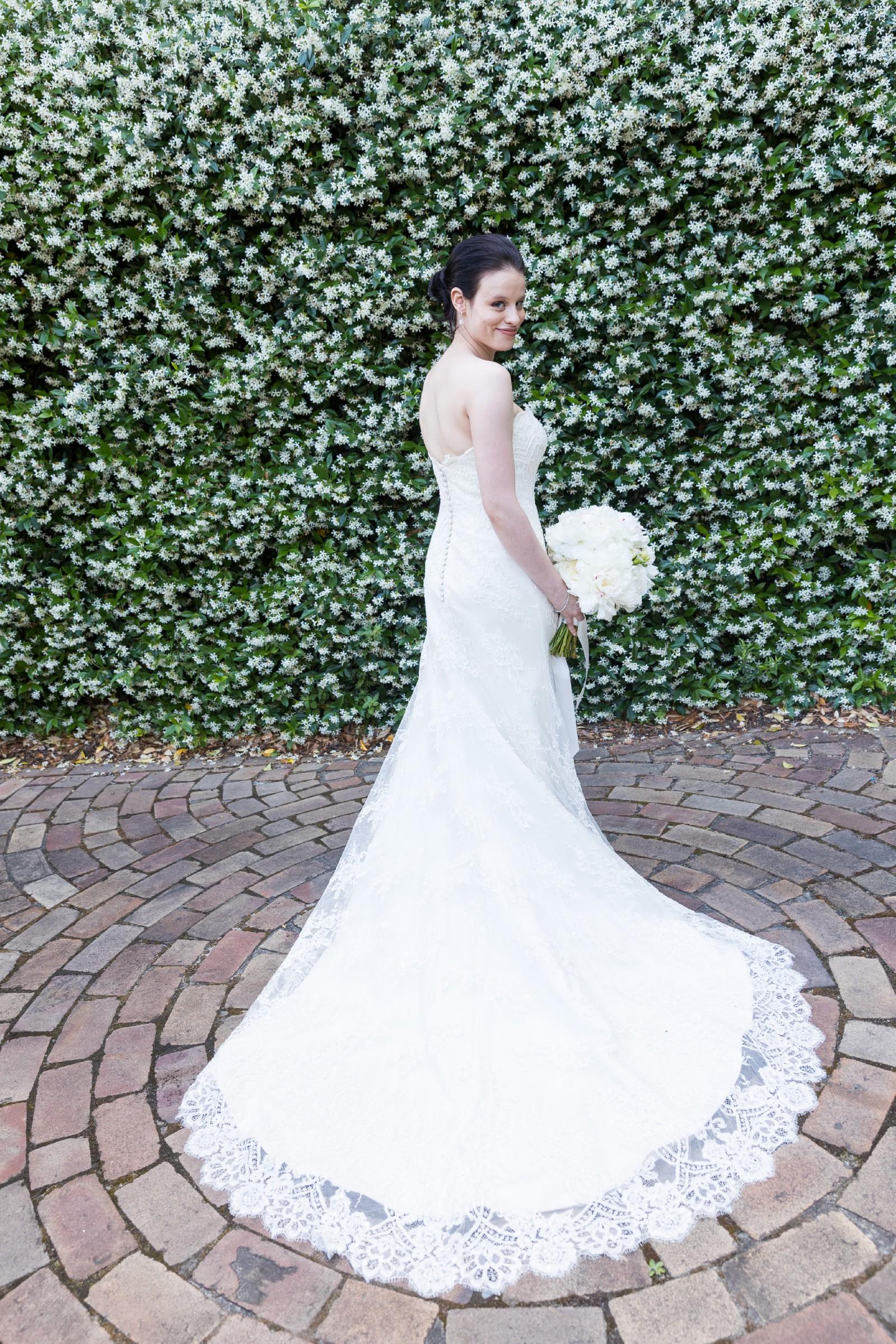 Augusta Jones Jocelyn Second Hand Wedding Dress on Sale 67% Off ... 3e485b70c