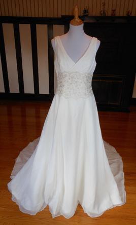 Emerald Bridal, 9108
