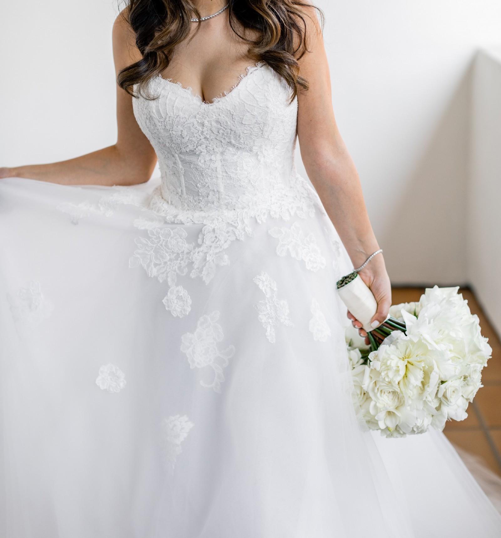 Monique Lhuillier Second Hand Wedding Dress Save 32