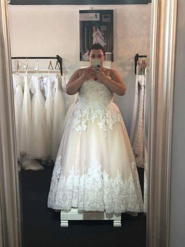4673e7e15e91 Morilee 2674 Second Hand Wedding Dress on Sale 68% Off - Stillwhite ...