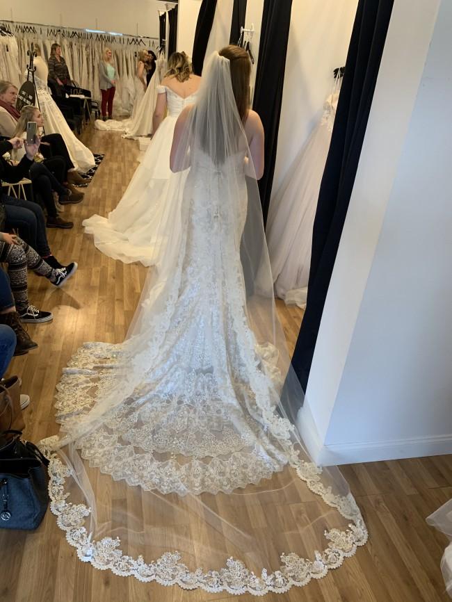 Allure Bridals C385