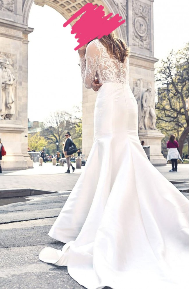 Monique Lhuillier V-Neck Lace & Mikado Mermaid Gown