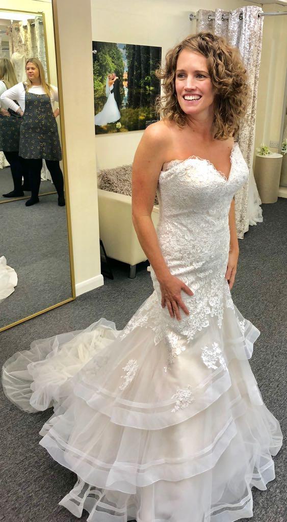 Allure Bridals 3064