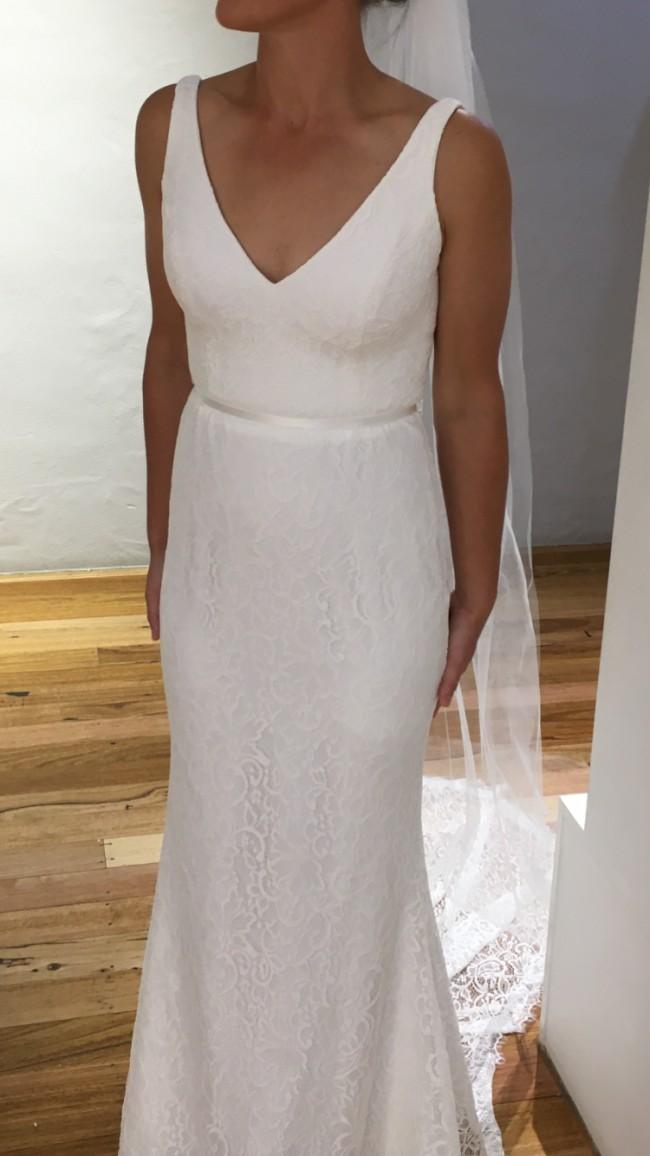 Karen Willis Holmes Valencia