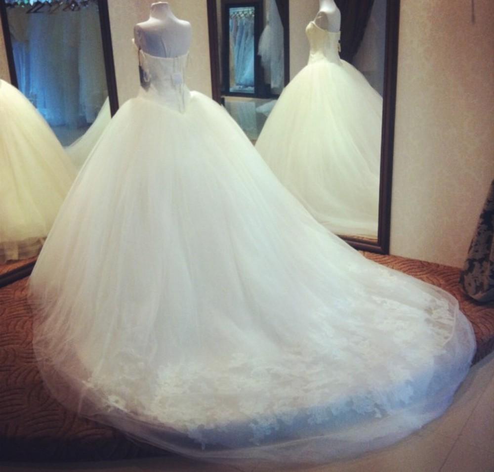 Vera Wang Strapless Ball Gown New Wedding Dress On Sale 86
