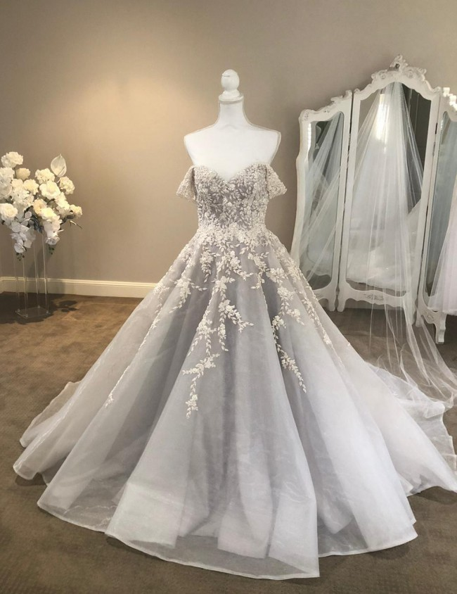 Delanquez Bridal, Ball Gown