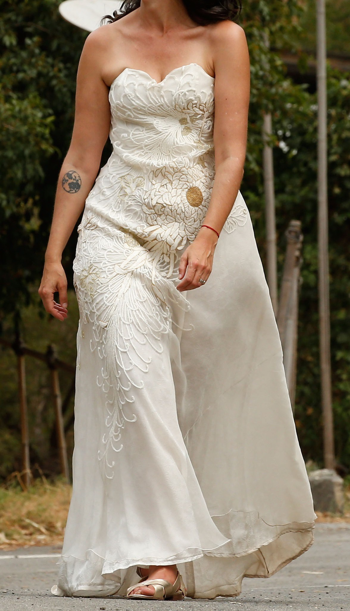 Akira Isogawa 109/S151439LE Hand Embroidered Strapless Gown Wedding Dress  On Sale - 80% Off