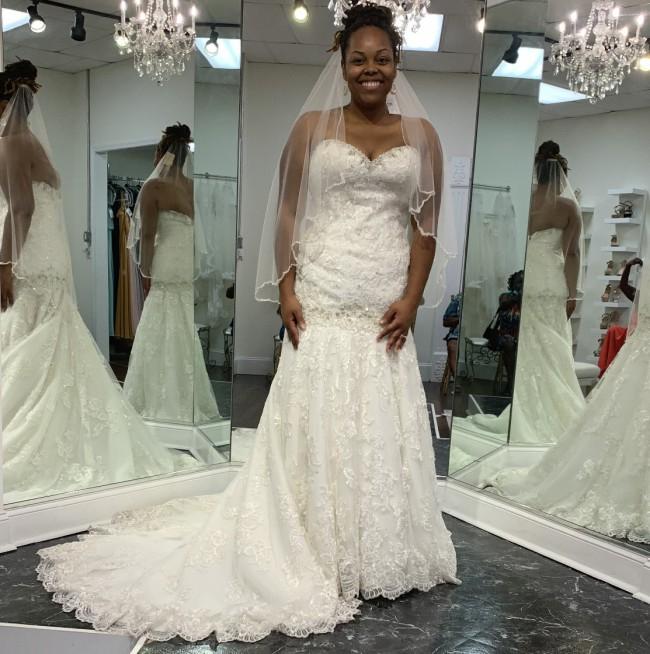 Allure Bridals 9018