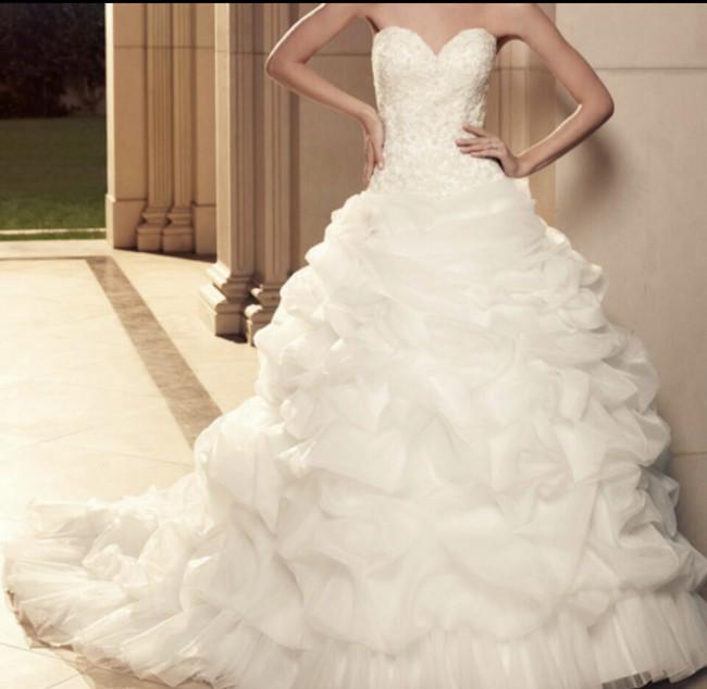 Casablanca Bridal 2085