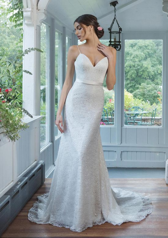 Sweetheart Gowns 11076