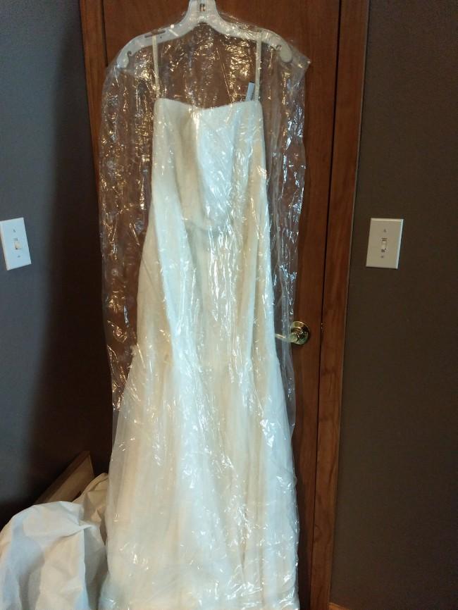 David's Bridal Strapless Lace Trmpt